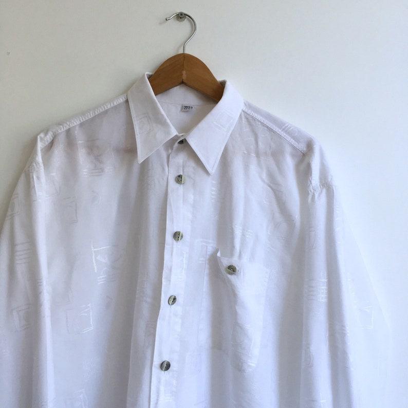 Men/'s size L Early 90/'s era. Vintage oversized white shirt Women/'s size up to XXL