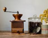 Vintage Tabletop Wooden Coffee Mill Farmhouse Kitchen