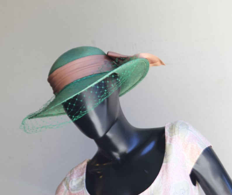 Vintage Alex Wilson Green Straw Hat with Peach Band and Back Bow embellishment  US One Size
