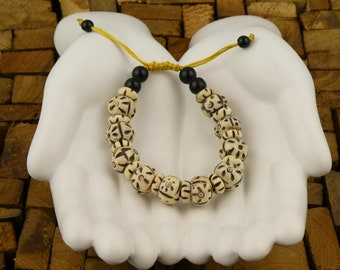 Tibetan bracelet - Carved bone