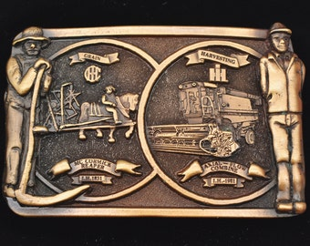 1985 The American Soybean Growers Pewter Belt Buckle Limited Edition 151  2500 Combine Cow Grain Bins Seed Beans Semi Ship Pig Iowa Premium