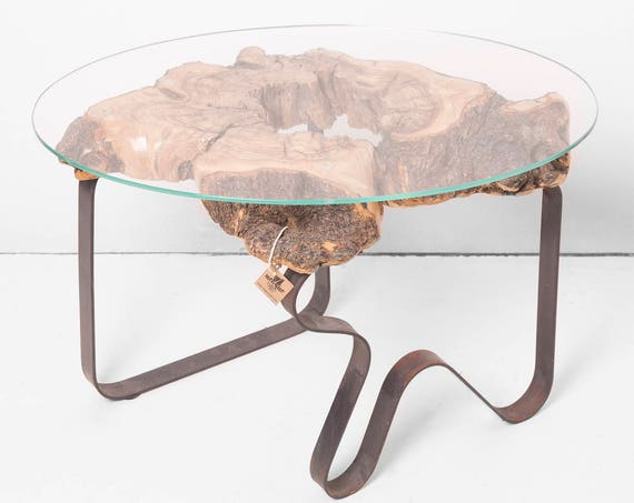 Ruto. Nightstand, coffee table or auxiliary. of olive wood and steel