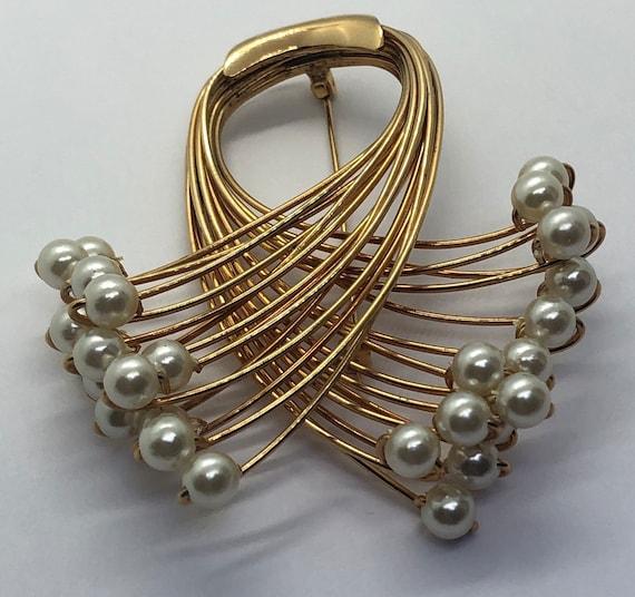 Vintage Faux Pearl Jewelry Suite, Faux Pearl Brac… - image 6