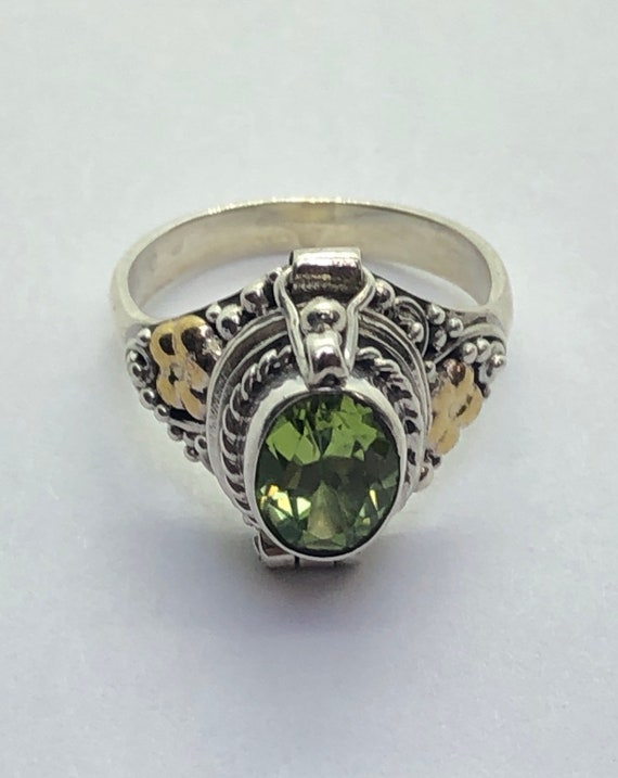 Poison Ring, Peridot Silver Poison Ring, Size 5 1/