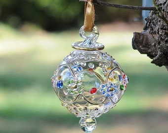 AMAZING Egyptian Blown Glass Ornament –A clear designs with small colored  flower with golden accent