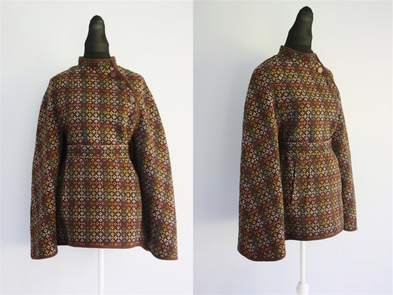 WELSH TAPESTRY cape brown with multi colored fleck