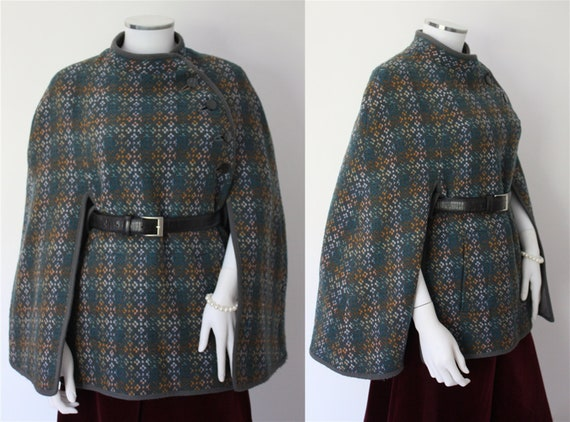 WELSH TAPESTRY cape in tones of green and blue, CY