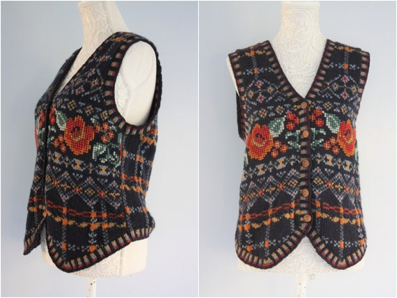 Laura Ashley WAISTCOAT , EMBROIDERED knitted WOOLL