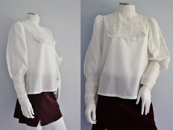 VICTORIAN / Edwardian style blouse, lacy high neck