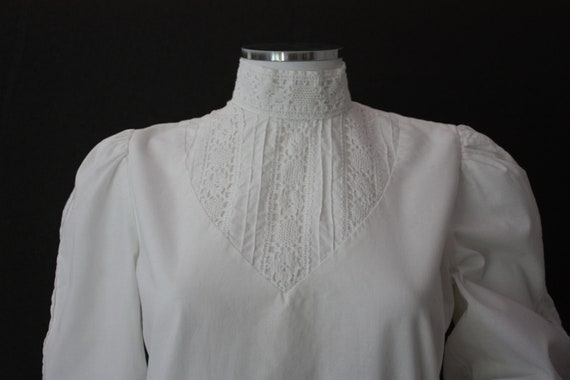 70's RUFFLED high neck white COTTON blouse , VICT… - image 3