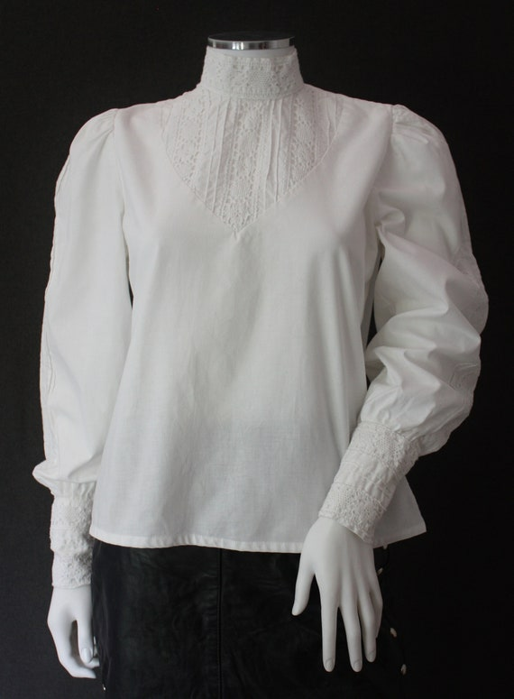 70's RUFFLED high neck white COTTON blouse , VICT… - image 7