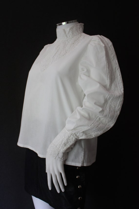 70's RUFFLED high neck white COTTON blouse , VICT… - image 5