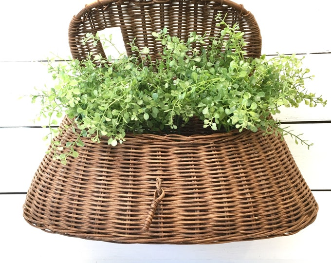 Vintage Fishing Creel Basket - Dark Wicker