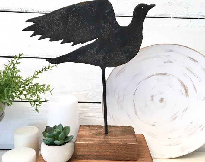 Primitive Bird on Pedestal - Rusted Black Iron