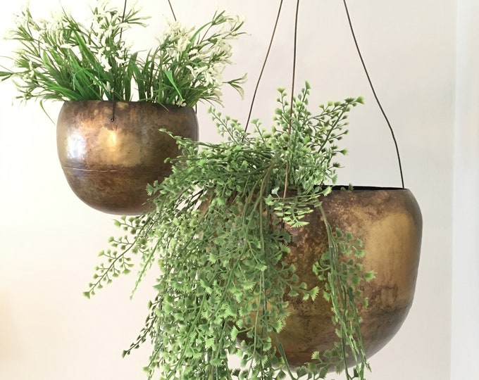 Hanging Planter - Round w/ Antiqued Brass Finish