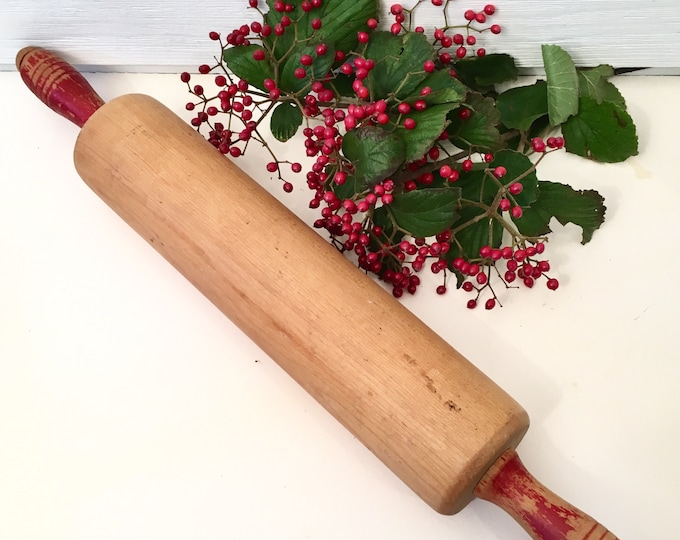 Vintage Wooden Rolling Pin - Red Handles