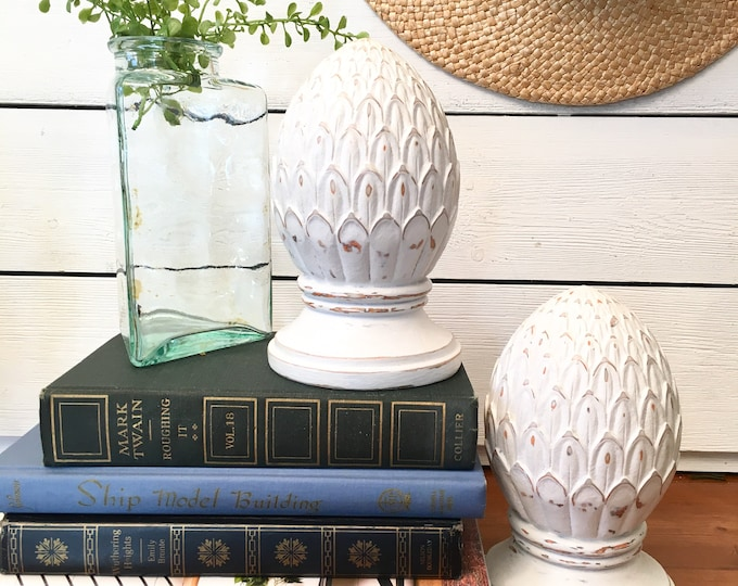 Vintage Pineapple Bookends - White - Finials