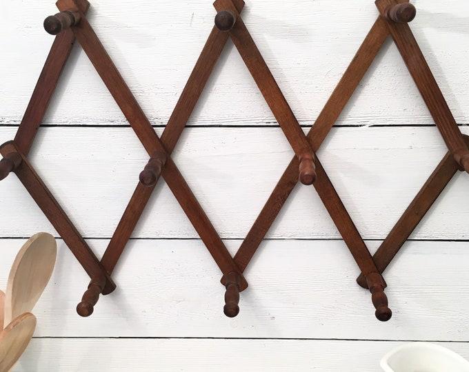 Vintage Wood Expandable Peg Rack