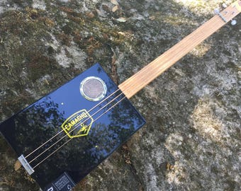 Acoustic Cigar Box Guitar - Great Camacho Gorgeous Box - Oak fretboard - Awesome Sound! Great gift for a guitarist!