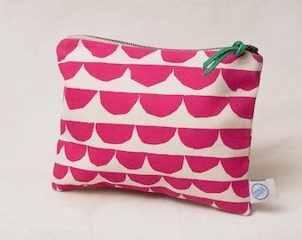 Medium Scallop zipper bag -   screen printed in pink