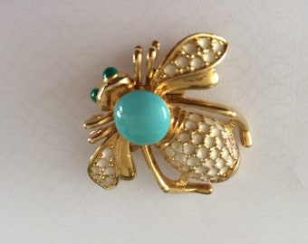 Vintage Gold Tone, Faux Turquoise, Enamel Bee Pin Brooch