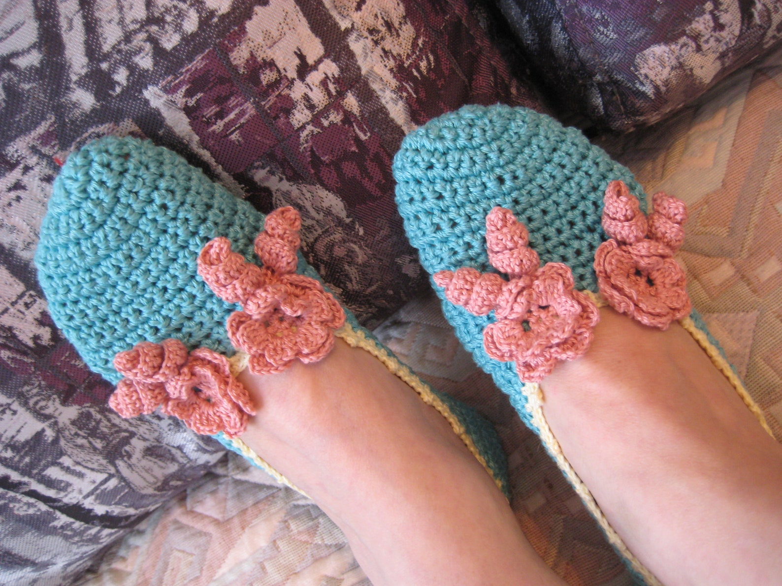 crochet ballet slippers, turquoise color, cotton, two flower decoration, gift for woman for mom for girlfriend, home slippers, n