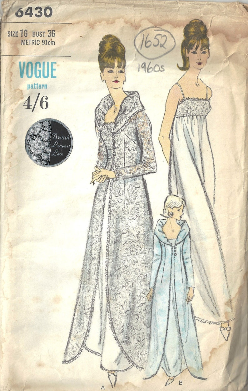 b068a8e1df 1960s Vintage VOGUE Sewing Pattern B36 NIGHTGOWN   ROBE