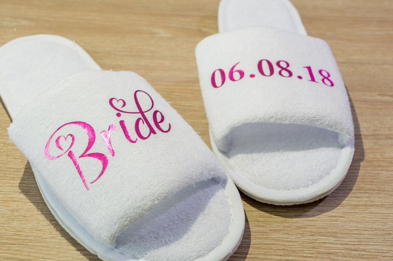 6261bf1c2f Personalised Bride Slippers Wedding Slippers wording of your choice  Bridesmaid gift , Maid of honour Gift Bridal Party Open Toes Spa