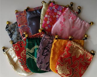 100 Colorful Chinese Silk Pouches Pocket Money Coins Bags Drawstring Grab  Bag lot Traditional Packaging Bags for Jewelry Gifts 4bd2d607a
