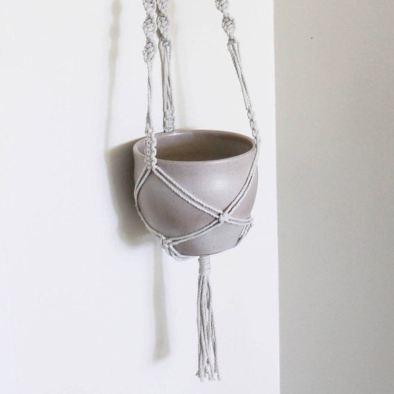 macrame hanging planter, macrame plant hanger, macrame plant holder, modern macrame, bohemian, retro macrame,midcentury