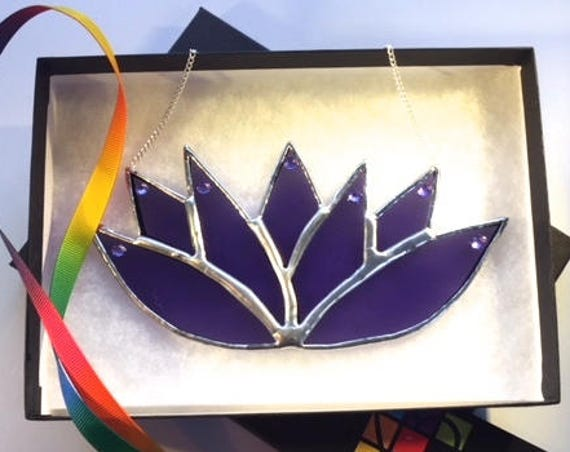 Beautiful, Calming Amethyst Lotus Flower Handmade Stained Glass Suncatcher, Wall Decoration, Karma Gift