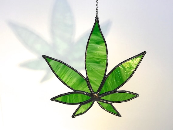 Green Hemp Leaf Suncatcher Home Decor, Birthday Gift, Window Ornament, Garden Decor