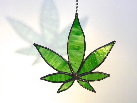 Green Hemp Leaf Suncatcher Home Decor, Birthday Gift, Window Ornament, Garden Decor