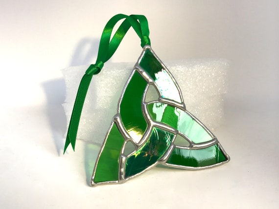 Irish Knot Stained Glass Suncatcher Home Decor, Irish Wedding Gift, Celtic Window Ornament