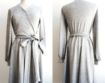 very comfortable stretch dress, synthetic blend fabric and 5% wool, dress crossed at the front, kimono inspiration, side pockets