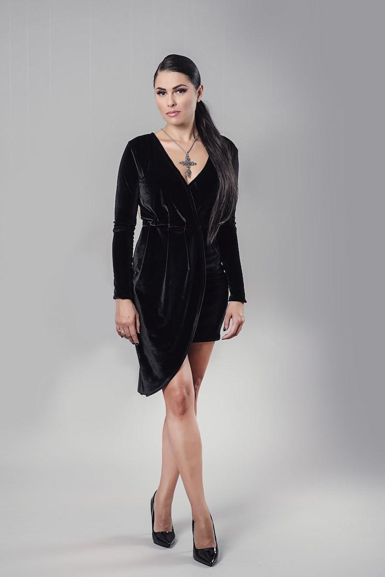 Velvet Dress, Black Dress, Plus Size Clothing, Short Dress, Elegant Dress,  Formal Dress, Minimalist Dress, V Neck Dress, Wrap Dress