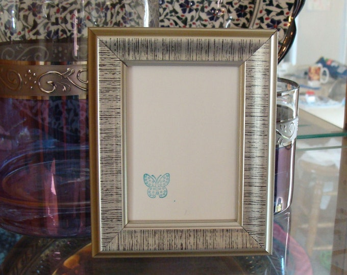 """Silver Wood Picture Frame  Contemporary Style / Art Cards, ACEO's, Trading Cards, Small Prints, Photos,  2.5 x 3.5""""  Museum Glass & Hardware"""