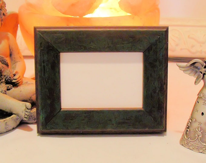 """Picture Frame for Art Cards, ACEO's, Trading Cards, Small Prints, Photos,  2.5 x 3.5""""  Museum Glass, Rustic Green & Brown Finish on Wood"""