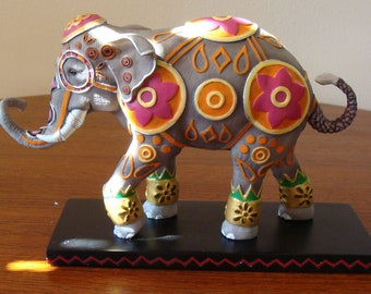 """Tusk Elephant Statue Groan 13048 New in Box with Tag - Has Never Been Displayed - First Edition 1E/55 7.5 x 5"""" Porcelan Figurine"""