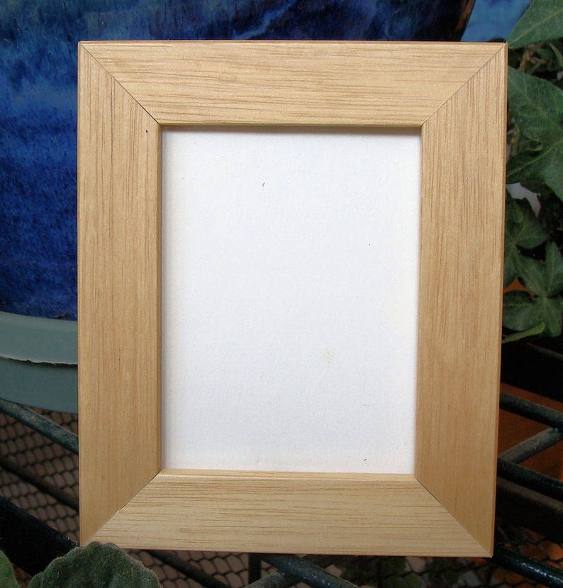 Cards Fits 2.5 x 3.5 Art Maple Finish Flat Profile UV Museum Glass Prints Photos Back ACEO Picture Frame  Art Trading Cards Miniatures