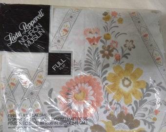 Westpoint Pepperell Lady Pepperell Full Flat sheet Folk Fest pattern. NIP - New in package.