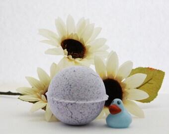 kids bath bomb, duck bomb, lavender bath bomb, bath bomb with toy inside, bath bomb, duck toy, bath bomb for kids, rubber duck toy