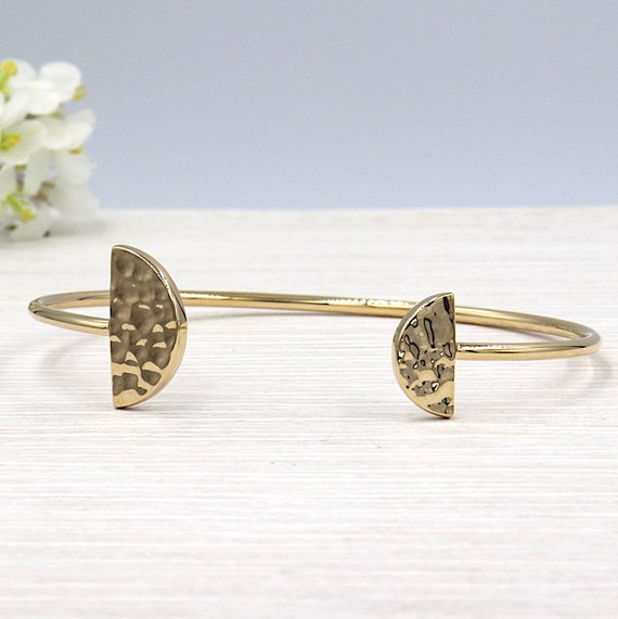 Bangle woman half moon hammered gold-plated