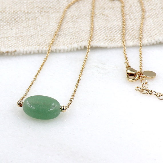 gold-plated necklace and aventurine gemstone woman