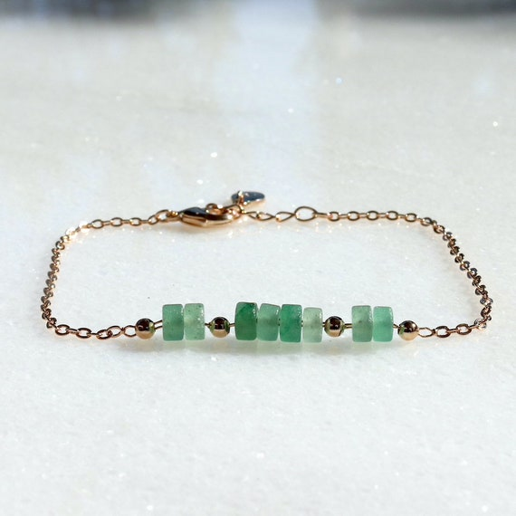 gold-plated chain bracelet and women's green quartzite stones