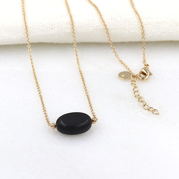 gold-plated chain necklace and black agate gemstone necklace