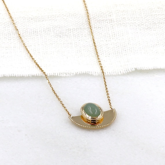 gold-plated necklace pendant half moon and aventurine stone woman