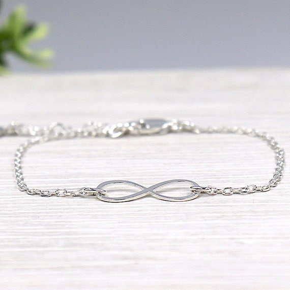 infinite woman bracelet on silver chain 925