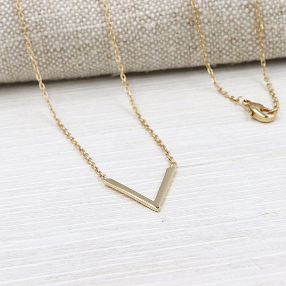 gold-plated V necklace for women