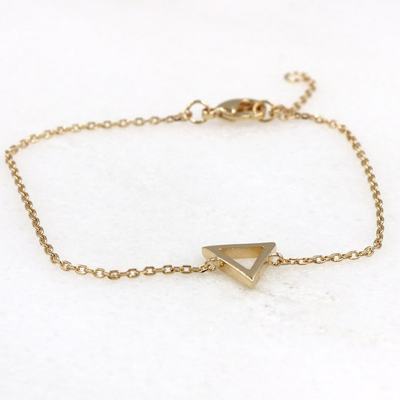 gold-plated triangle-on-chain bracelet for women